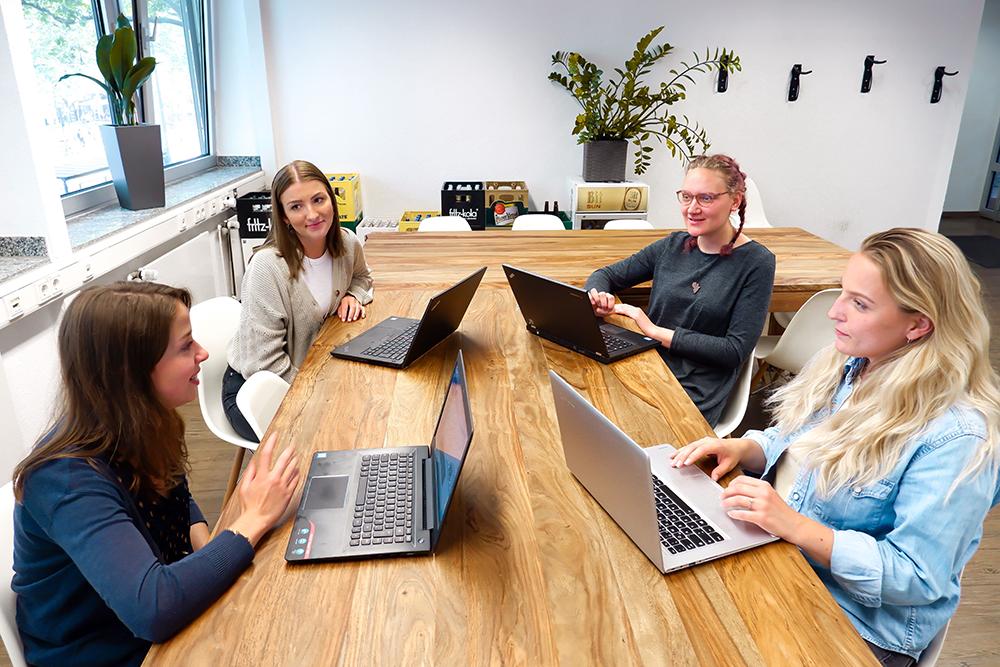 content marketing team meeting besprechung trafficdesign